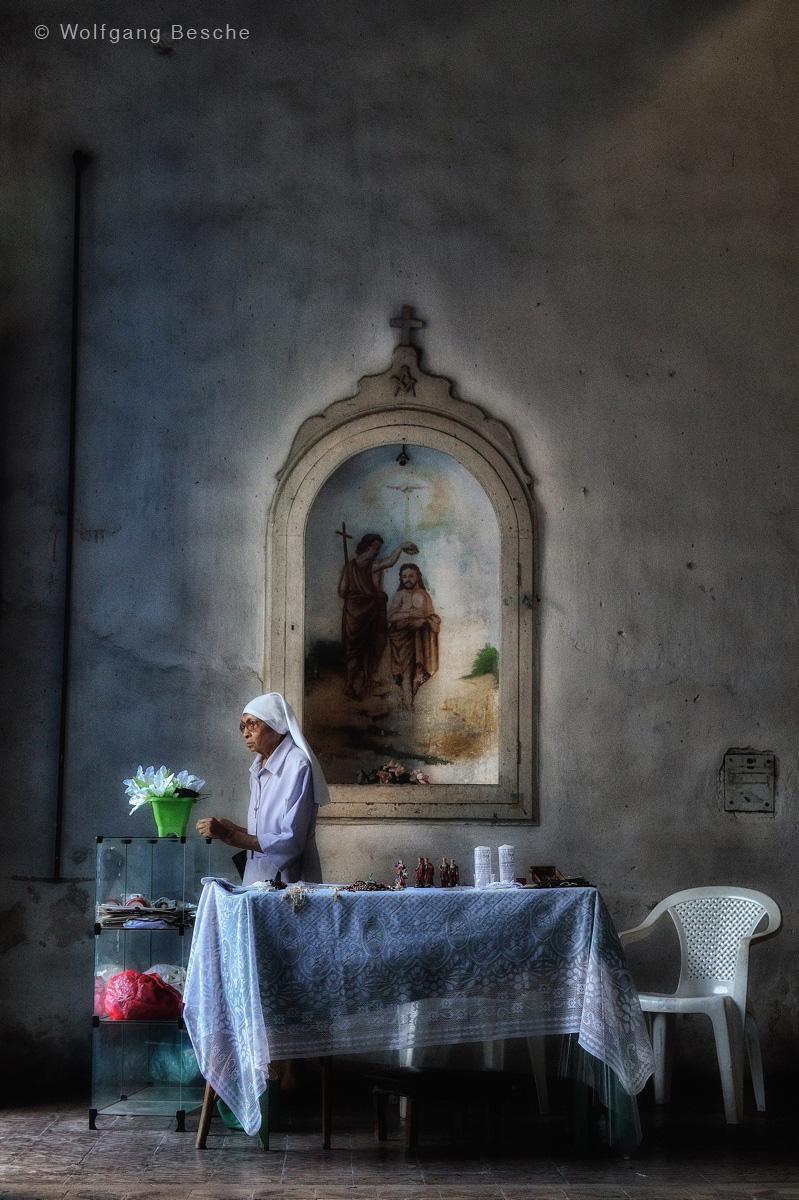 Nonne, aufgenommen im Zentrum von Recife. Foto: Wolfgang Besche ©